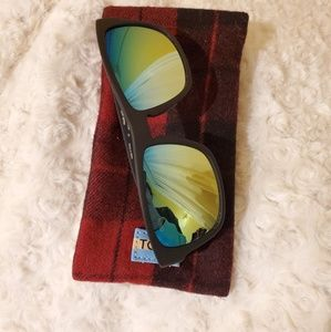 Toms traveler rainbow mirror lenses